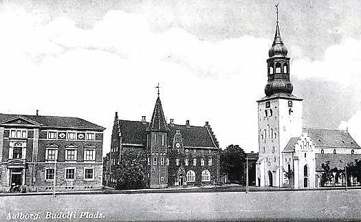 AK-Aalborg-Budolfi-Plads-Platz-mit-Kirche