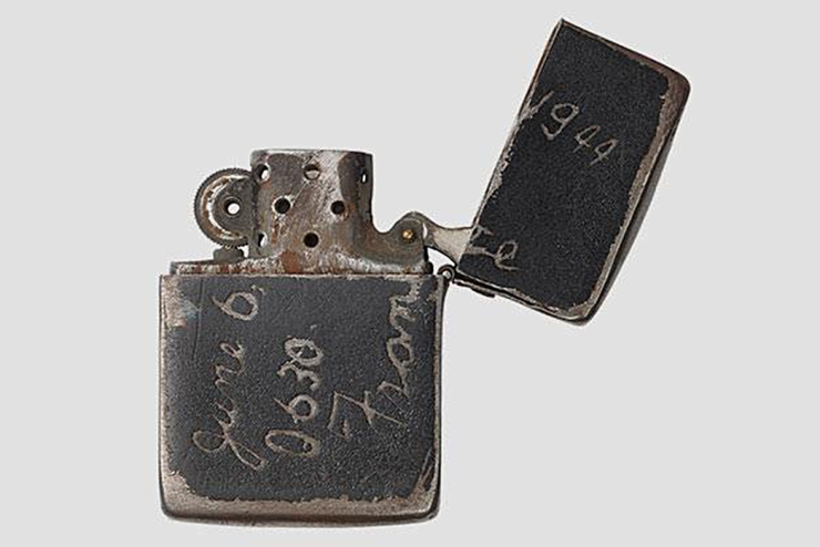 the-lasting-draw-of-zippo-lighters-war-time-issue-black-crackle-zippo-image-via-cool-material